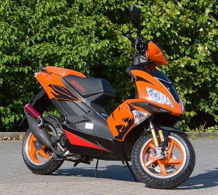 Motorroller Benero GT-50 Supersport - 2 TAKT-