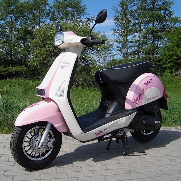motorroller 45 km h girly revival 50 ccm m dchen roller in pink motorroller mofa. Black Bedroom Furniture Sets. Home Design Ideas